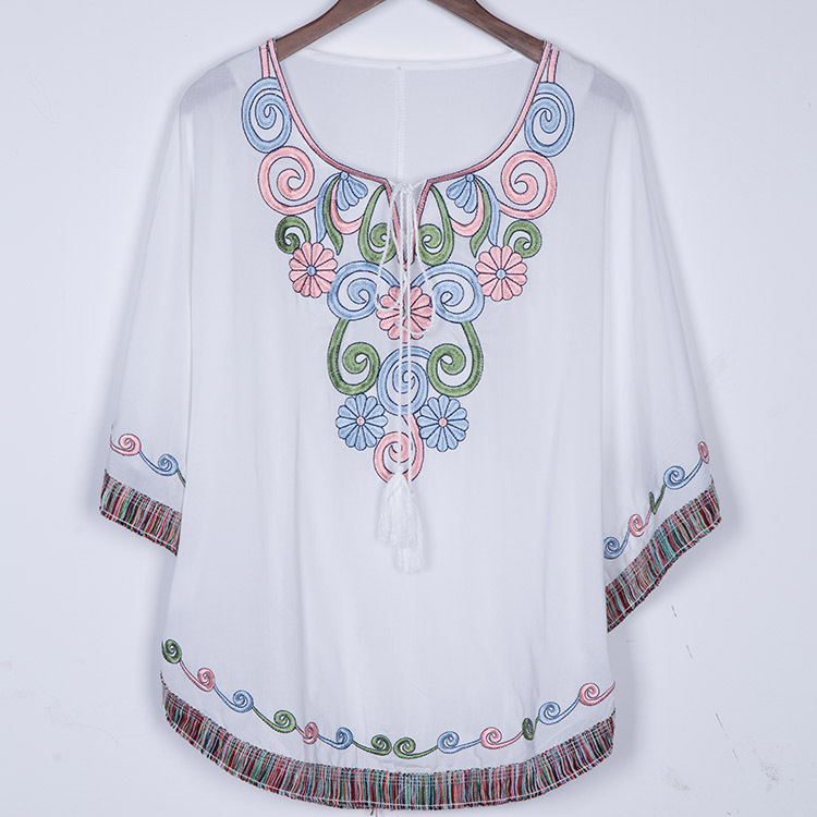 New Summer 2019 Vintage Mexican Ethnic Flower Embroidery Boho Hippie Batwing Blouse Cotton Tops Gown for Women Blusa Feminina