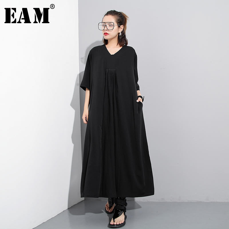 [EAM] 2018 New Summer Round Neck Shor Sleeve Black Loose Long Pleated Split Joint Loose Dress Women Fashion Tide JF576