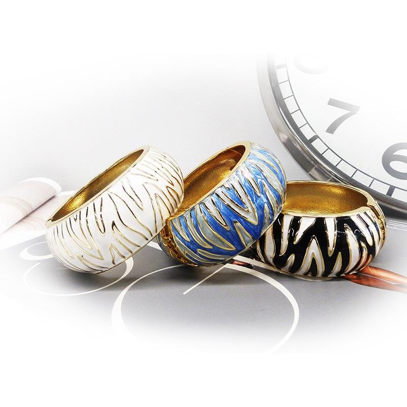 Threecolor Zebra Pattern...