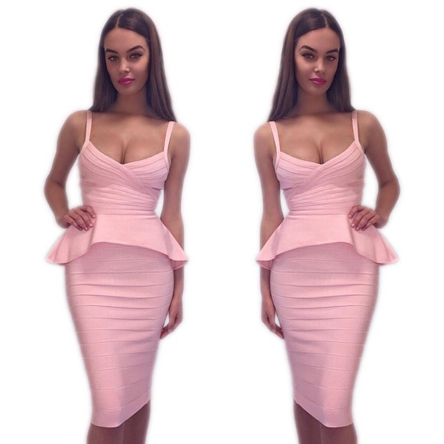 Грудастую в платье, онлайн в попу за деньги