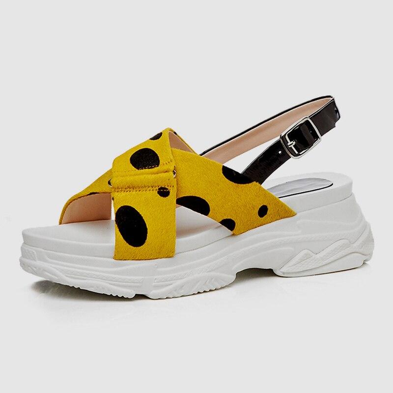 DoraTasia 2019 جديد الحلو المرأة الصيف بقعة الصنادل فتاة الصيف السبيب أحذية منصة امرأة عارضة الشاطئ أسافين الأحذية امرأة-في الكعب المتوسط من أحذية على  مجموعة 2