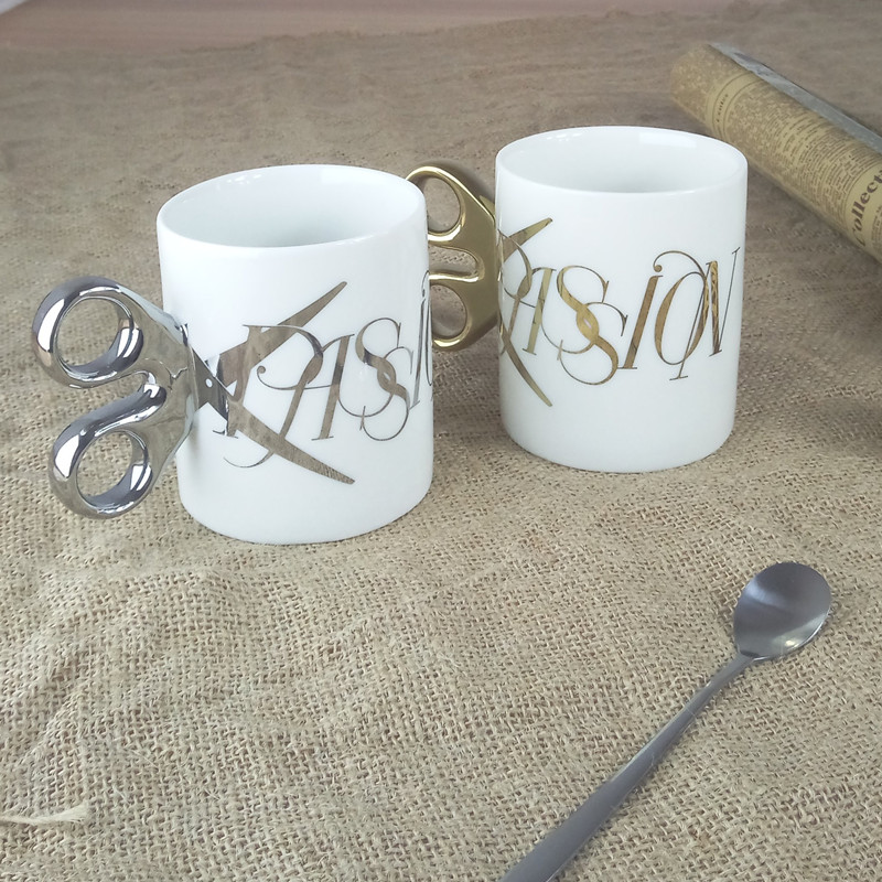 Nouveau sous-titers avec des ciseaux poignée tasse noir blanc tasse PASSION police tasse à café cadeau d'anniversaire tasse potable ustensiles 6ZDZ258