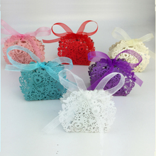 50Pcs/lot  Laser Cut Love Heart Candy Boxes Party Wedding Hollow Carriage Baby Shower Favors Gifts Free Shipping