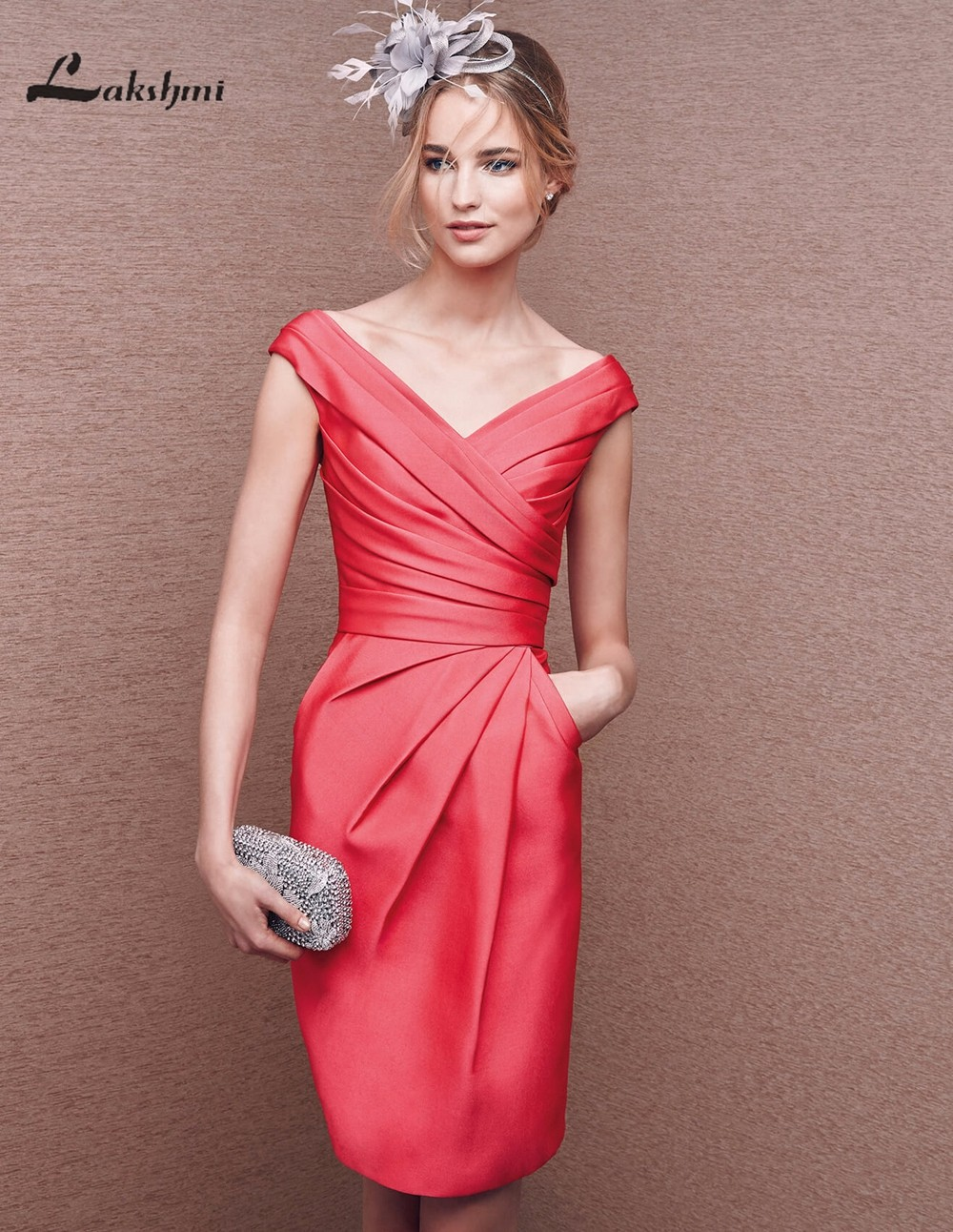 Modern V-neck Sheath Short Party Dresses for Bridesmaid...