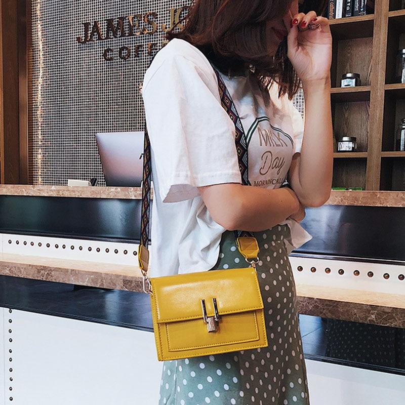 New Women Fashion Width Shoulder Bags INS Popular Female Exquisite Solid Handbag Mini Flap Lady Travel Chains Crossbody SS3474 (5)