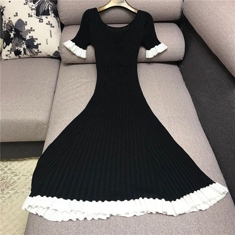 Marque de luxe robe en tricot pour femmes col en V Vintage Hepburn noir blanc contraste rayure à volants tricoté une ligne robe