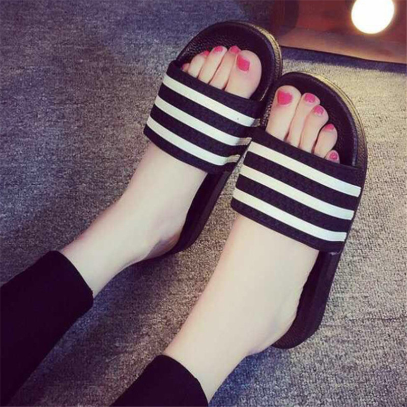Teen Boys Girls Sandals Shoes Teenage Kids Summer Slippers Man Woman Beach Bath Shoes Home Slippers Casual Stripped PVC Shoes 2