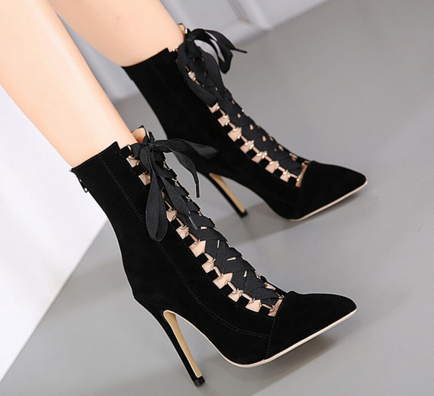 2018 autumn new large size high heels female fine with pointed cross straps bare shoes.