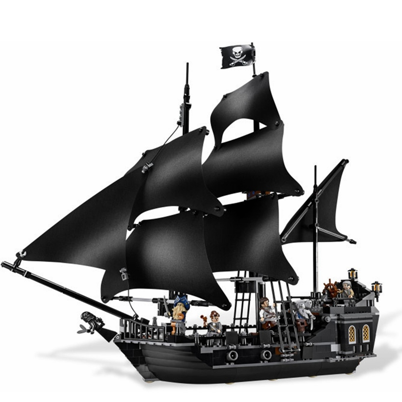The Black Pearl Ship 804Pcs/Set Pirates of the Caribbean Building Blocks Christmas Gifts For Kids Children DIY Educational Toys 804pcs black pearl ship bricks sale pirates of the caribbean building blocks toys for children compatible with legoingly city