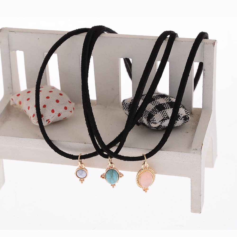 Hot-selling 3 Colors All-match Natural Stone Velvet Chokers Necklaces Alloy Cute Pendants Necklace Sets