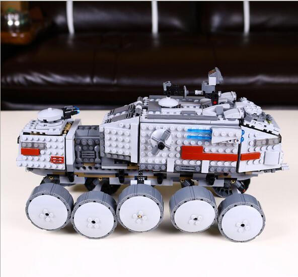 Livraison Express 0531 amérique clasic film thème série Clone turbo tank 933 pièces assembler des blocs de puzzle pour enfants cadeau - 4