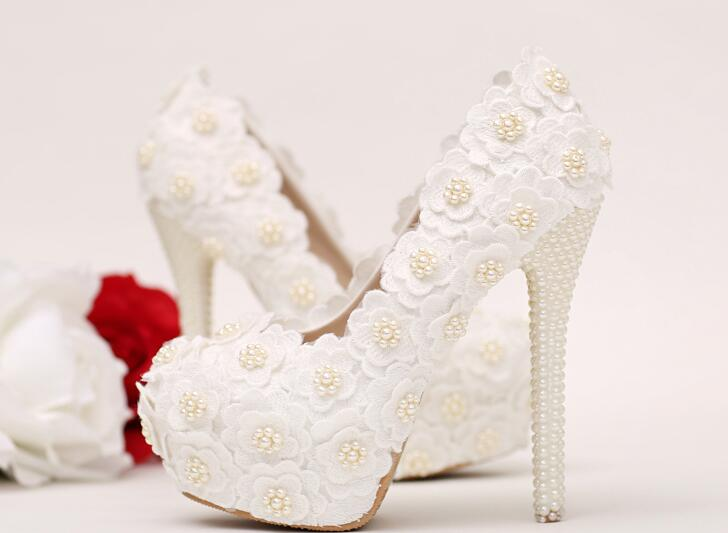 ФОТО The Elegant White slip-on Decoration & pearl Stiletto Heel High Heel Shoes.Designed lace-up and platform heel, this pair is chi