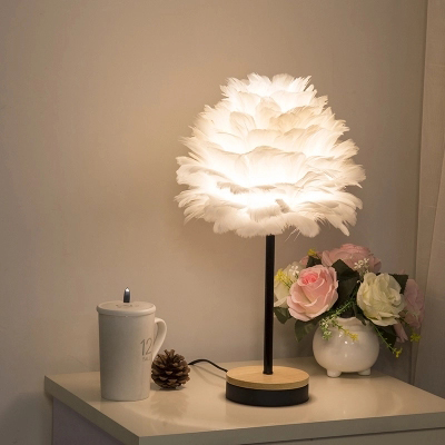 T Creative feather Simple Warm Table Lamps Retro Creative American Style Lighting For Bedroom Foyer Hotel With LED Bulb american style retro desk light wooden base led lamp cafe bar table lamps bedroom industrial water pipes art deco lighting