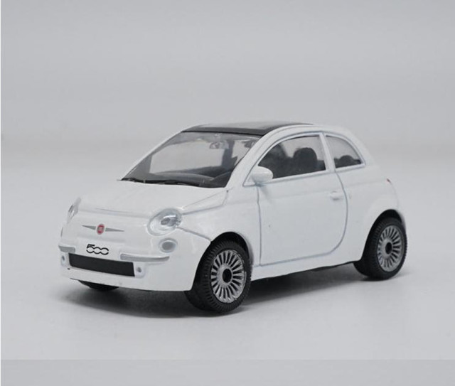 1:43 Scale Alloy Car Toy, High Imitation Fiat 500 Sports Car Model,
