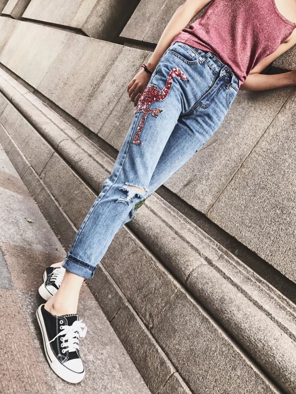 2017 Women Jeans with Flamingo Sequined Ripped Knee Hole High Waist Loose Straight Pants Vintage Denim Ankle-length Trousers summer casual women jeans high waist big hole ankle length ripped loose straight pants women denim trousers edge curl vintage