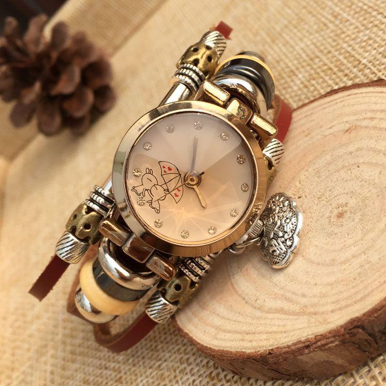 2018 Fashion Watch Women Ethnic Style Retro Leather Strap Watches Heart Pendant Bracelet Quartz Watch Clock relogio feminino