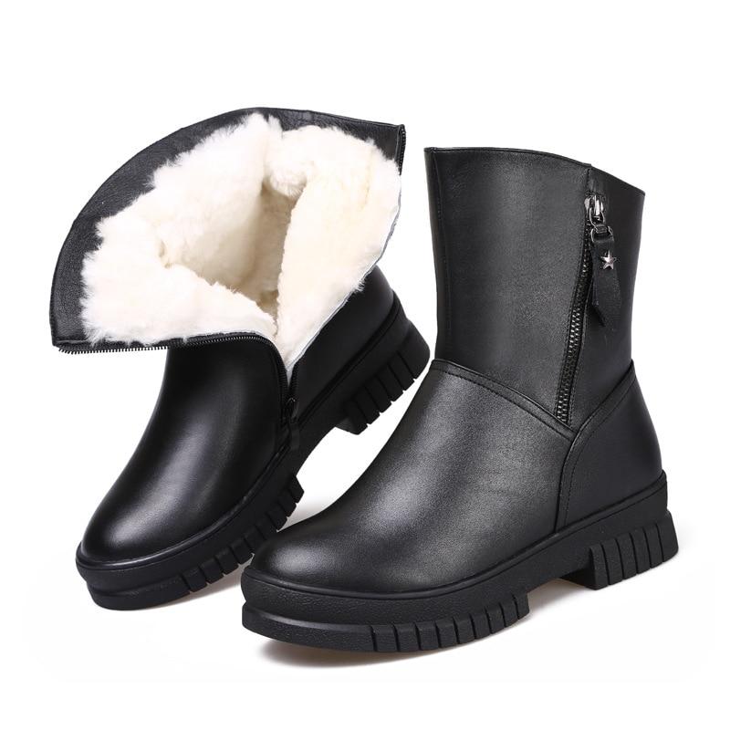 e61e482d30cd Laine Chaussures D hiver Femmes Fourrure Une Antidérapantes Plates De Bottes  Noir Neige Chaud Marque Célèbre 2018 ...
