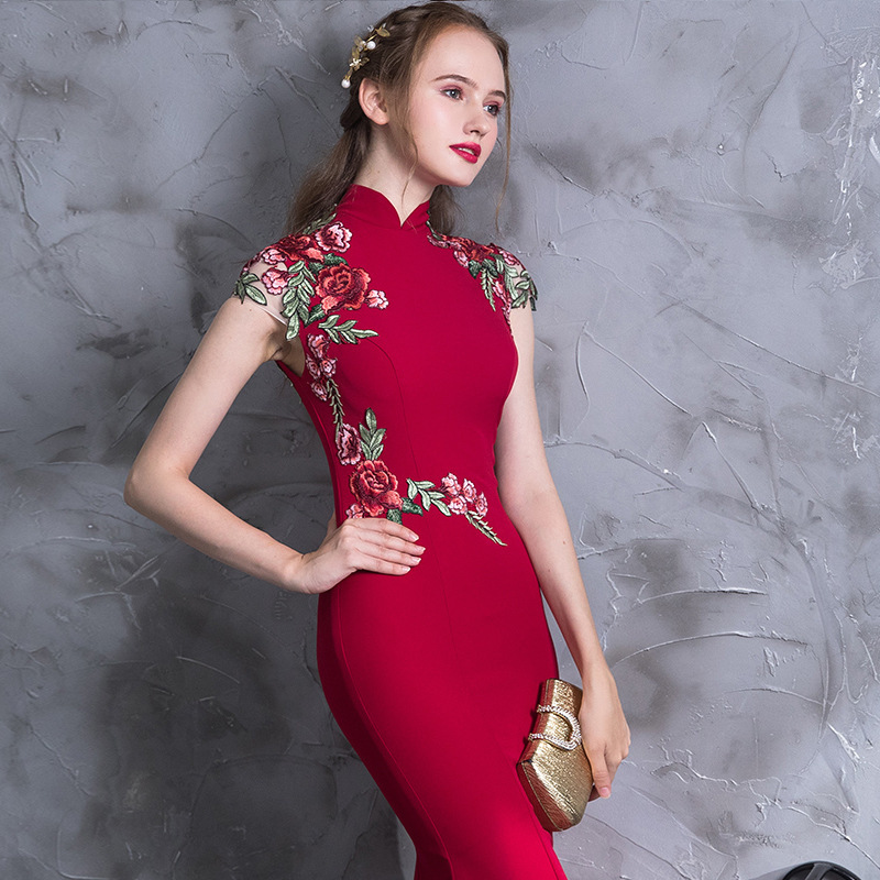 High Quality Embroidery Modern Cheongsam Red Sexy Qipao Long Traditional Chinese Dress Oriental Style Dresses Vestido De China in Cheongsams from Novelty Special Use