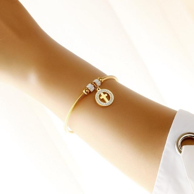 женские браслеты с фианитами из нержавеющей стали золотого цвета фотография