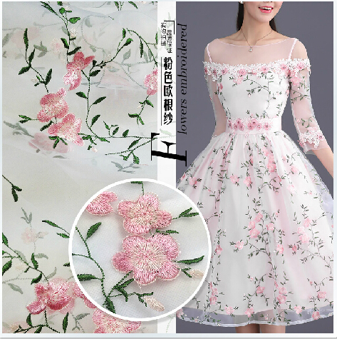 2015 new European pink flowers embroidered lace mesh cloth fabric wholesale high end wedding cloth