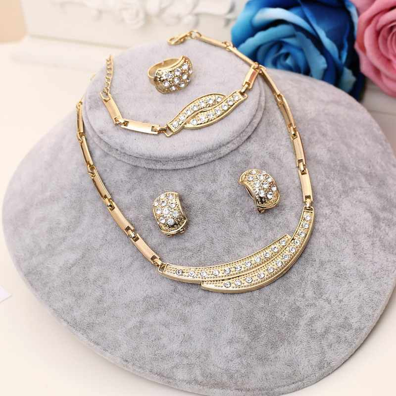 Dubai African Beads Jewelry Set For Women Golden Plated Alloy Classic Party Jewelry Gracets Crystal Necklace Earrings Sets