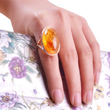 Free shipping Unique Gorgeous Gold Big Stone Ring Designs For Women Transparent Orange color Resin Jewelry for Souvenirs(China)