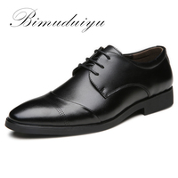 Venta BIMUDUIYU 38-47 Zapatos de vestir de cuero de alta calidad Tide puntiagued Inglaterra estilo de negocios boda Formal zapatos planos negros para los hombres