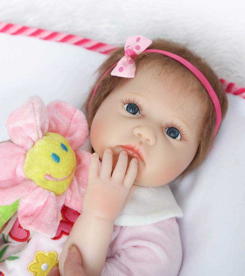 55cm Silicone Reborn Baby Dolls Best Gift 100% Safe and Lifelike Simulation Baby Dolls Newborn for Kid Brinquedos the latest 22 55cm silicone reborn baby dolls best gift 100 safe and lifelike simulation baby dolls newborn for kid brinquedos