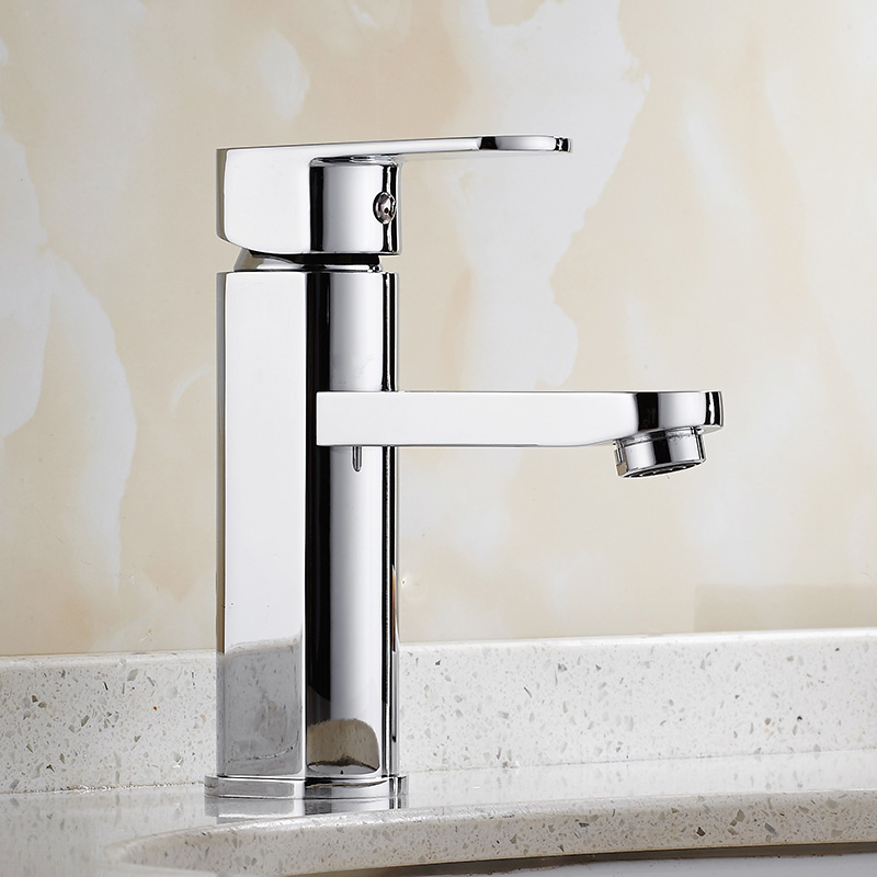 Free Shipping brass material water tap chrome single lever hot and cold bathroom basin faucet Luxury sink basin mixer basin tap copper toilet wash basin faucet hot and cold bathroom sink basin faucet mixer water tap single hole basin faucet chrome plated