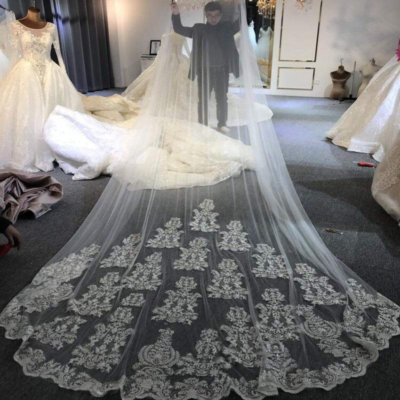 Amanda Design Luxury One Layer Lace Applique Veil