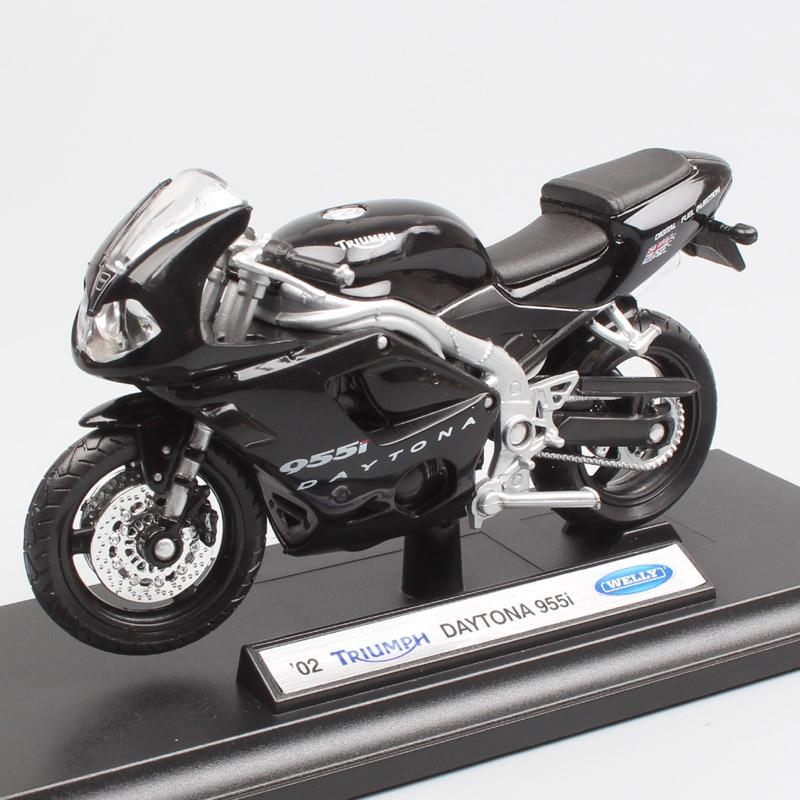 TRIUMPH DAYTONA 955i  1//18th  MODEL  MOTORCYCLE
