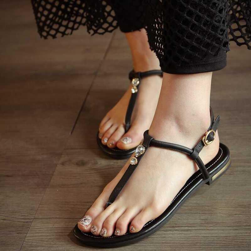 2020 nowy prawdziwe skórzane Plus duży rozmiar 31-46 czarny biały złoty klamra moda dziewczyna panie lato kobiety mieszkania T-sandały z paskami L958