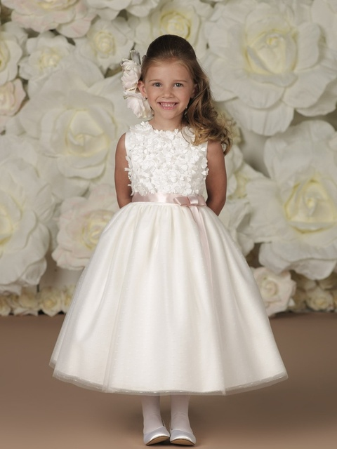 a5baf9d222ab White Tulle Flower Girl Dresses Ball Gown O Neck Sleeveless Ribbons Lace  Applique Off Shoulder Tea Length Kids Party Dresses