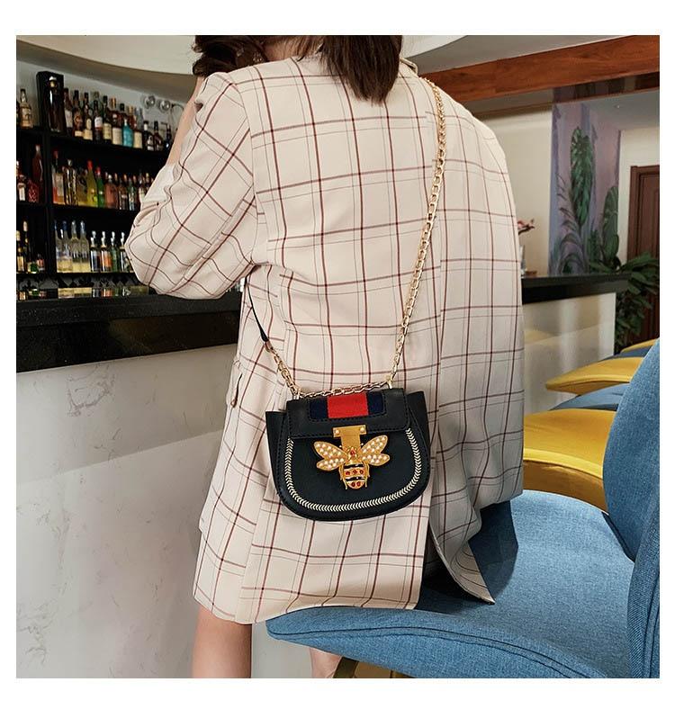 Imitation Designer Bags Fashion Bee Shoulder handbag for women Luxury Round PU Cross body Chain Bag Pearl Metal Lock Women's Bag (14)