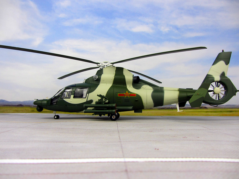 China Army Z-9 armed helicopter model straight nine Z9 static alloy military aircraft model 1:32 China Airforce