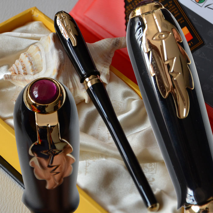 PICASSO 986 BLACK AND GOLDEN FINE HOODED NIB FOUNTAIN PEN LEAF with original box picasso 909 black