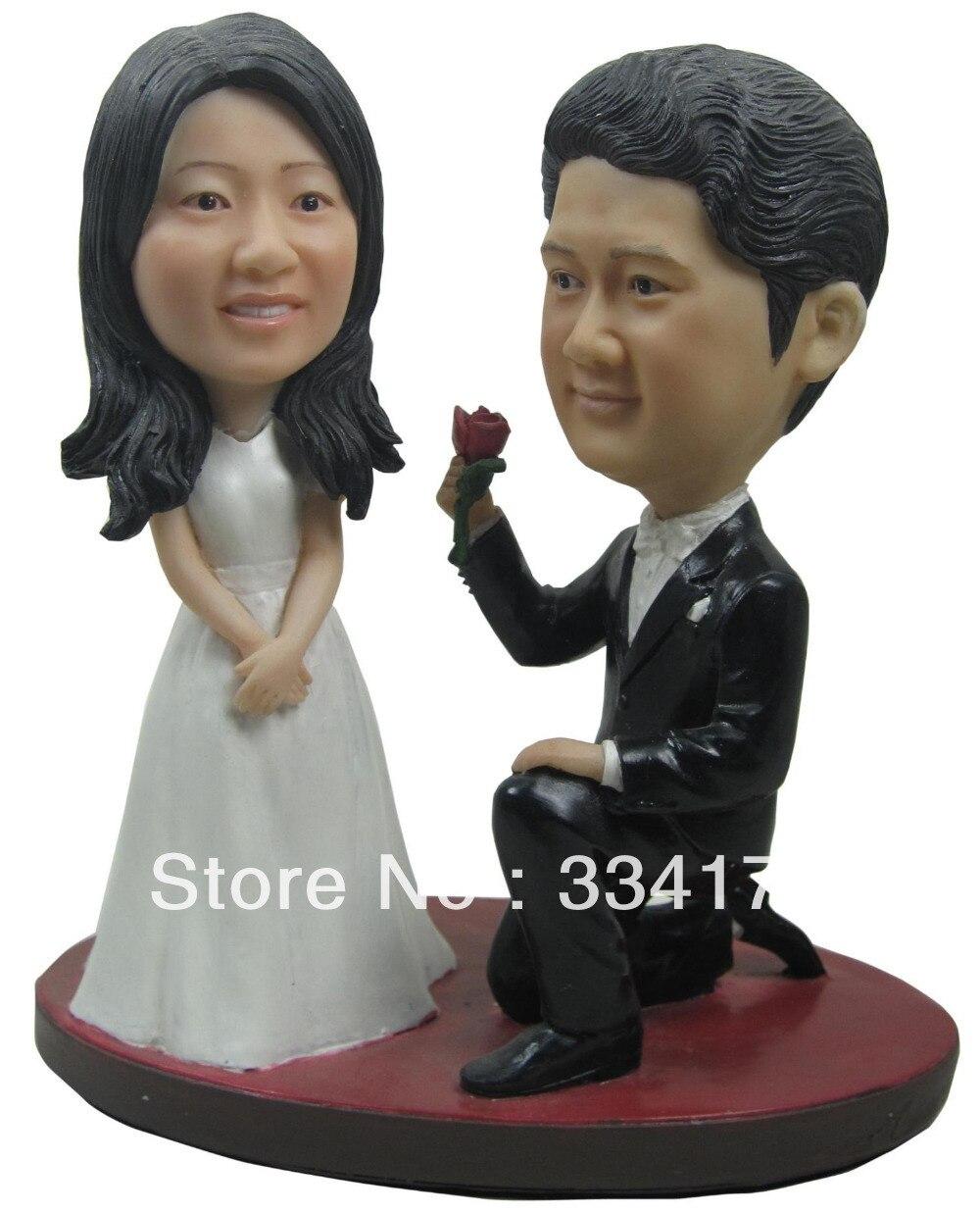 Poupée bobblehead personnalisée épouse-moi cadeau de mariage décoration de mariage corps en polyrésine fixe + tête en polyrésine poupée personnalisée