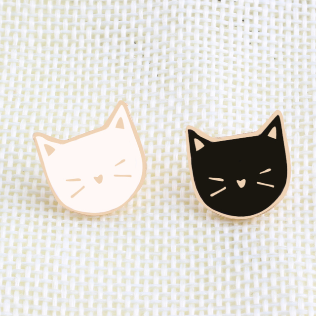 2 Pcs / Set Hot Cartoon Cute Cat Animal Enamel Brooch Pin Badge Decorative Jewelry Style Brooches For Women Gift 2