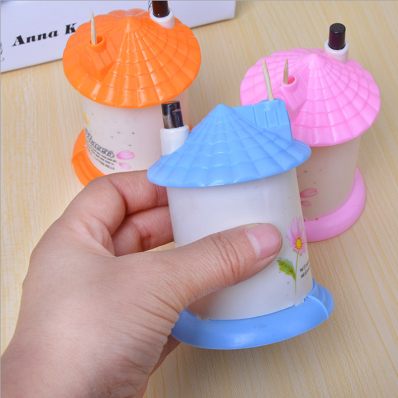 New Arrival Creative House Shaped Automatic Toothpick Holder Pocket Small Toothpick Box Random Color