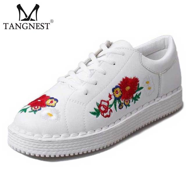 2017 Spring Women Casual Shoes Vintage Embroider Flats Women Korean Style Lace Up Walking Shoes Woman White Soft Shoes XWD4973