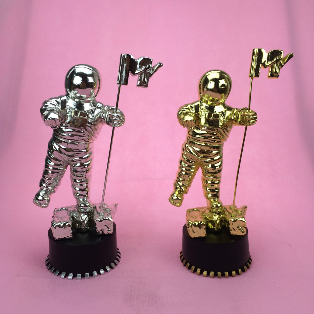 Gold MTV Awards, American MTV Awards, Moonman Trophy Awards, 골드 MTV 트로피