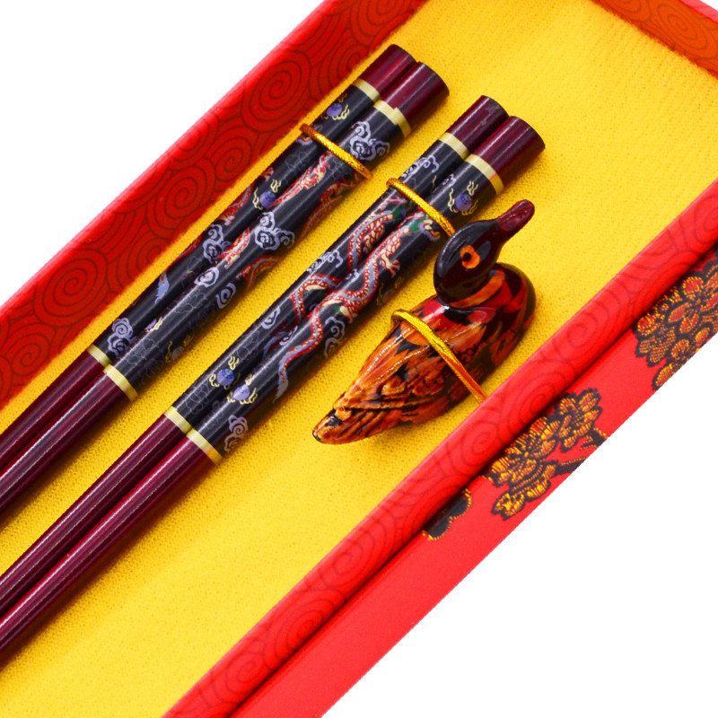 New Arrival High Quality Tableware Chinese style Green Natural Iron Wood Eco friendly Chopsticks Set Value