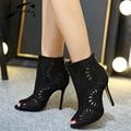 Sapatas das mulheres Primavera Outono Grande Tamanho Mulheres Bombas 2017 Euroepan Ankle Boots Senhoras Ocas Para Fora-Sapatos Peep Toe Sapatos de festa Preto