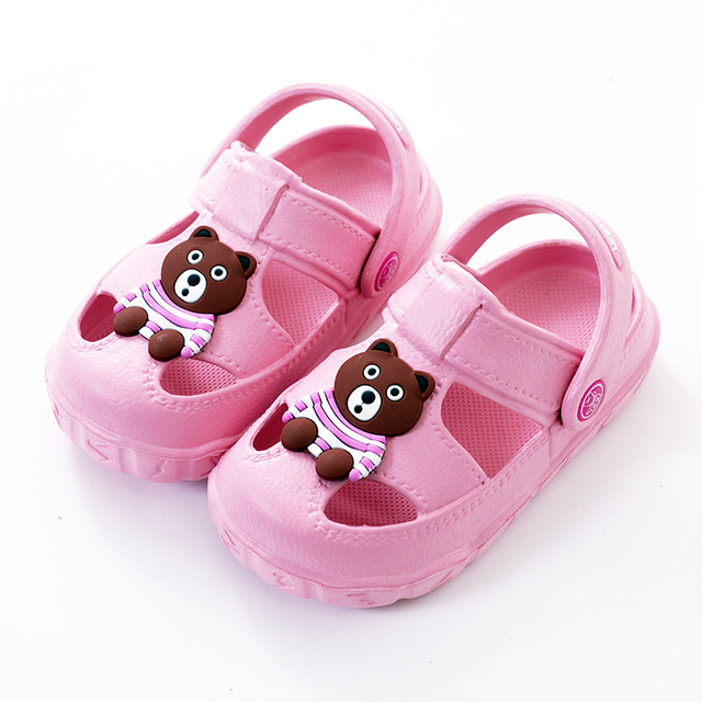 34b52d68b7af JUFOYU Garden Shoes 2018 New Children s Summer Sandals Fashion Cartoon Bear  Indoor Baby Sandals Cute Female Baby Beach Shoes