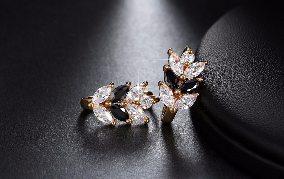 black-and-clear-marquise-leaf-design-earrings-with-zircon-stones-2