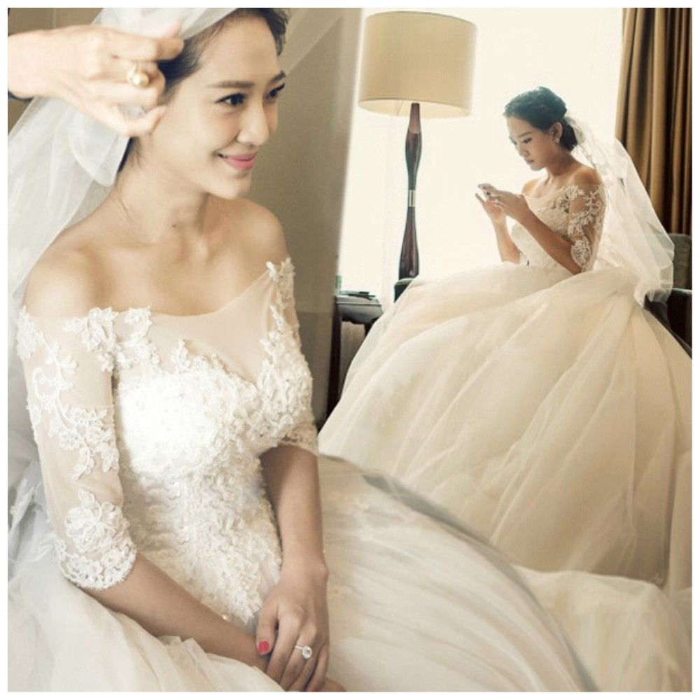 Modern Boat Neck Lace Appliques Half Sleeve White Wedding