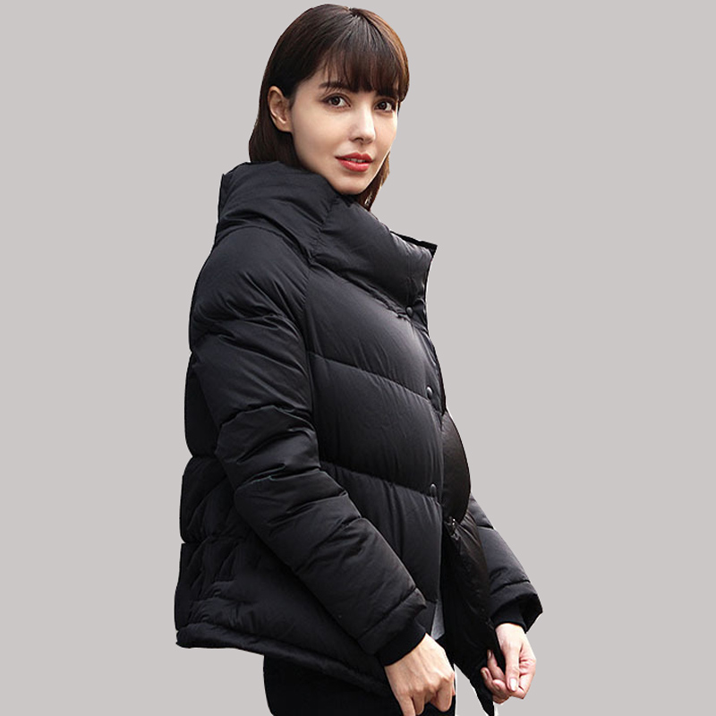 European Winter New High Quality White Feather Coat Solid Color Short Duck Down Jacket Women Black Warm Parkas JY-1104