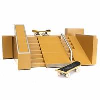 Nouveau 2 PCS Touches Doigt Conseil Skate Park Rampe Pièces Ultime Parcs 91C w/Boîte Pour Tech Deck Conseil doigt