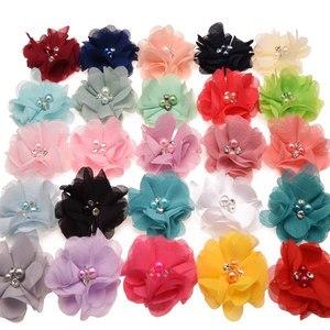 Image 5 - 100 pcs 세련 된시 폰 봉 제 꽃 부티크 머리 꽃 라인 석 진주 센터 귀여운 머리 꽃 6 cm 머리 클립 없음