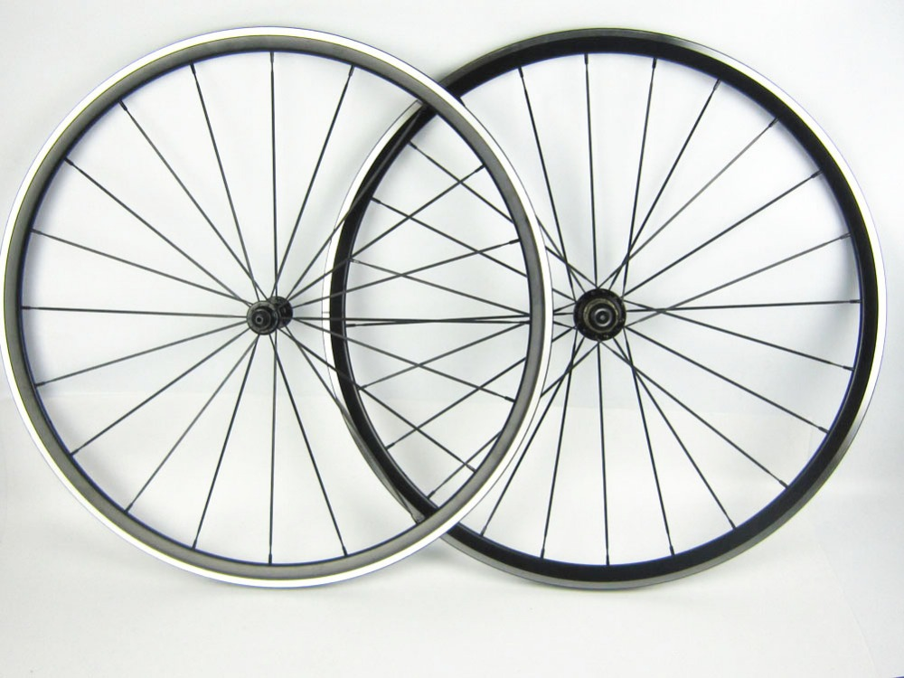 One pair alloy bike rim alloy Kinlin road bike wheelset XR 270 road cycle wheel set hub aluminum bicycle wheel 700C aluminum wheels 20 hollow wheel bicycle one piece aluminum alloy wheel wire whole felly rim